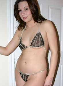 Teen Amy Looks Sexy In A Tiny Chain Bikini - Picture 11