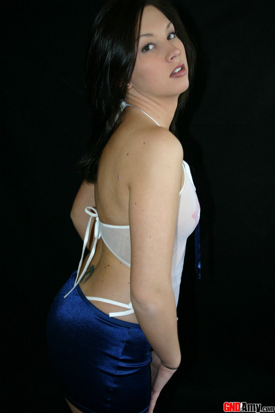 Teen Wearing A Sheer Top With Stars Under It Covering Her Nipples - Picture 3